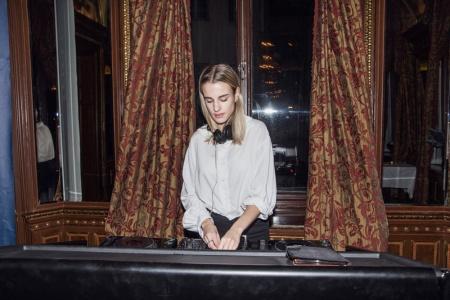 DJ Clea på Grand